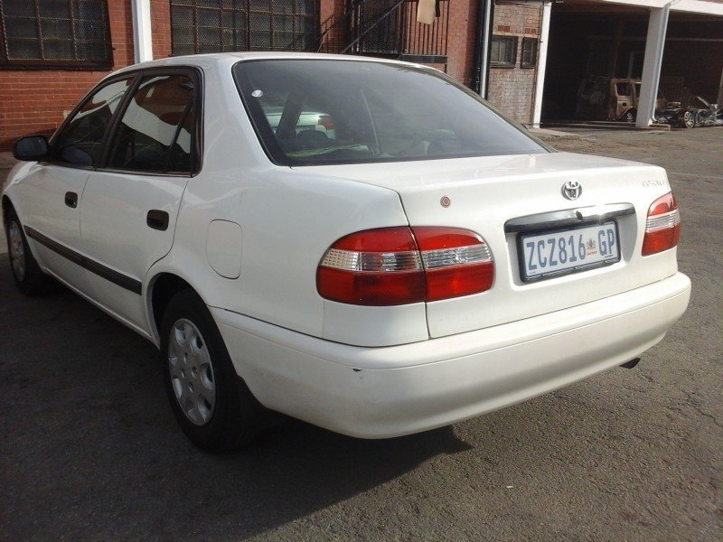 Toyota Corolla 1.3 2001 photo - 1