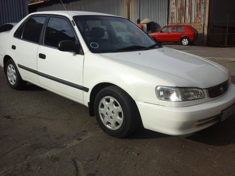 Toyota Corolla 1.3 2001 photo - 4