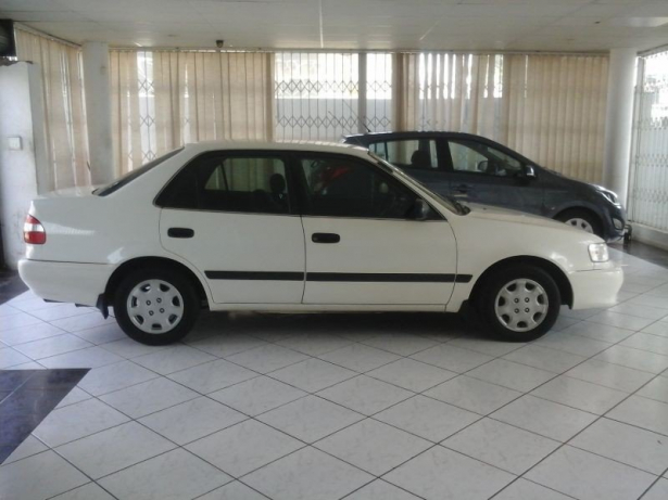 Toyota Corolla 1.3 2001 photo - 7