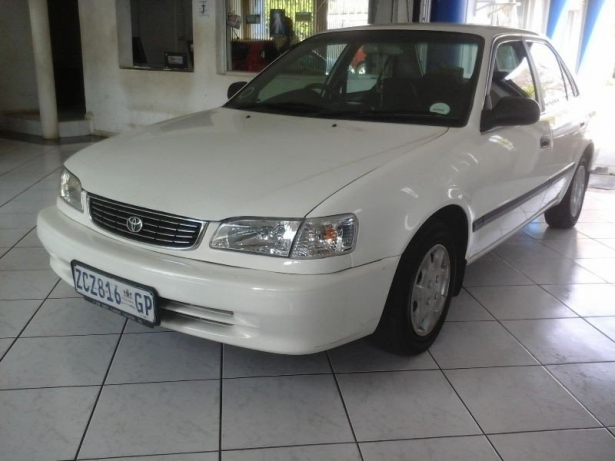 Toyota Corolla 1.3 2001 photo - 8