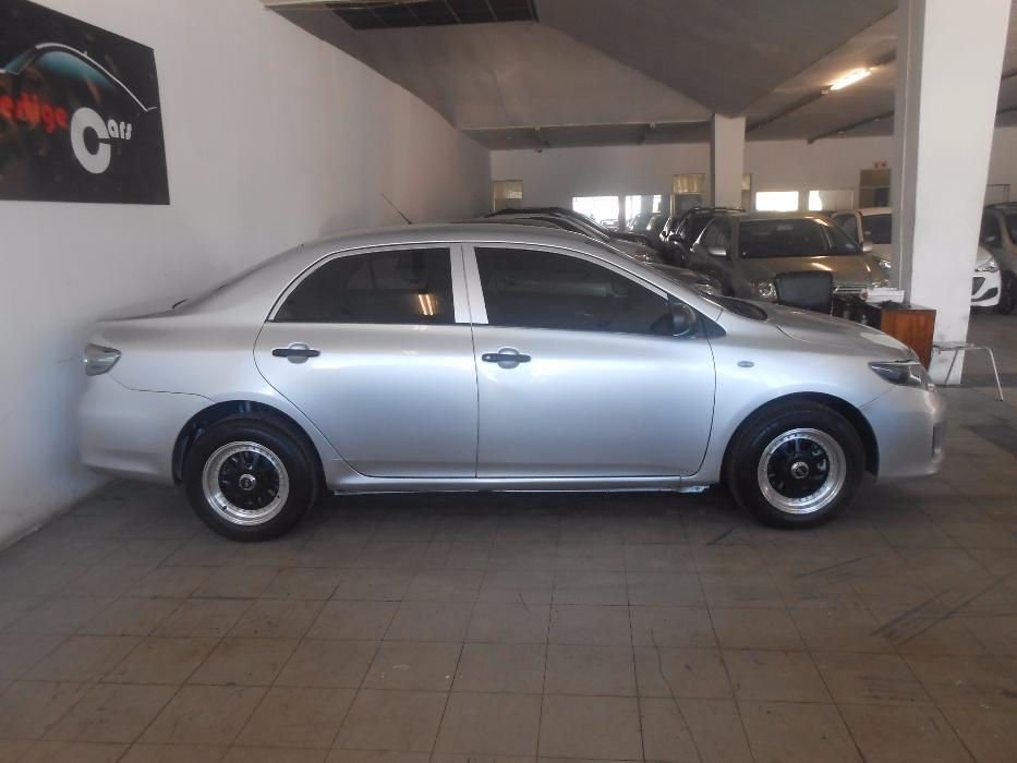 Toyota Corolla 1.3 2014 photo - 3