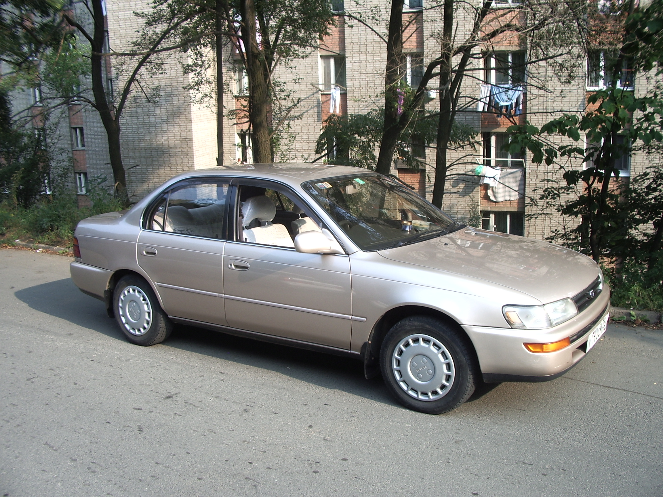 Toyota Corolla 1.8 1992 photo - 8