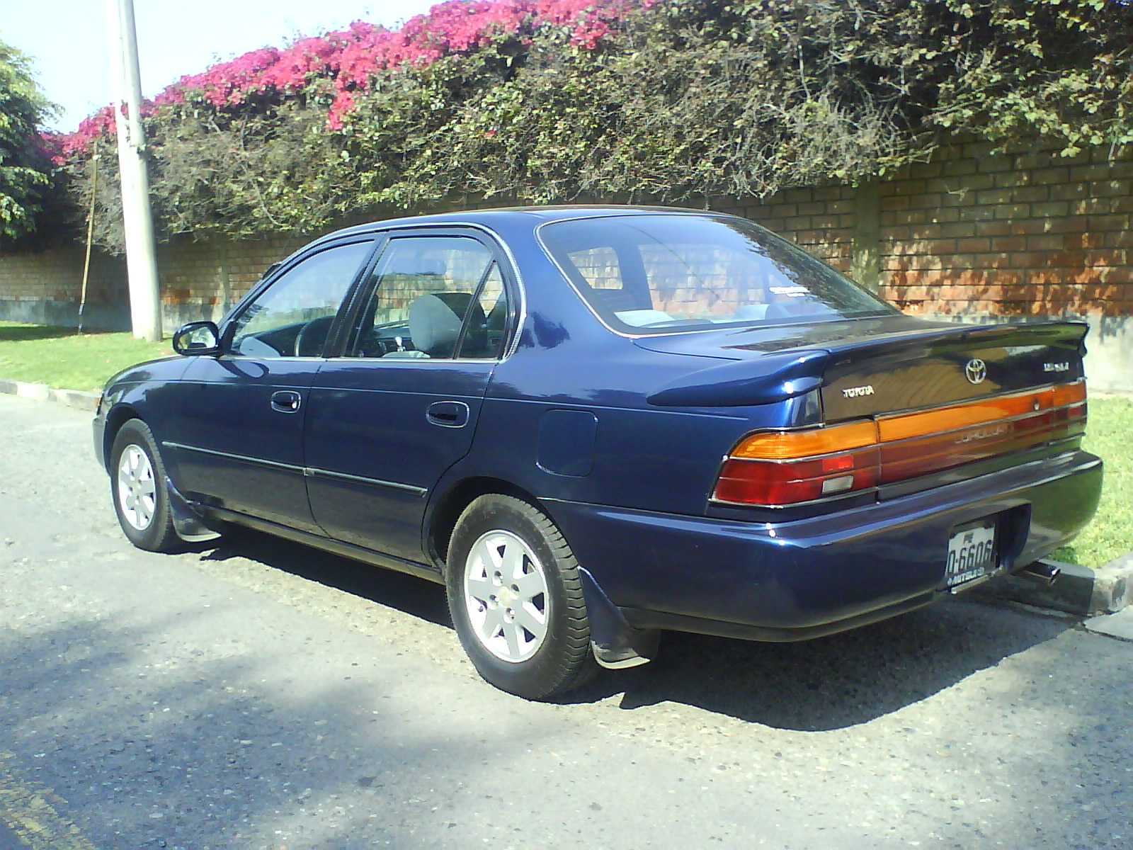 Toyota Corolla 1.8 1995 photo - 12