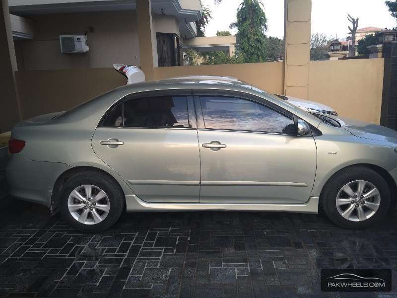 Toyota Corolla 1.8 2010 photo - 3