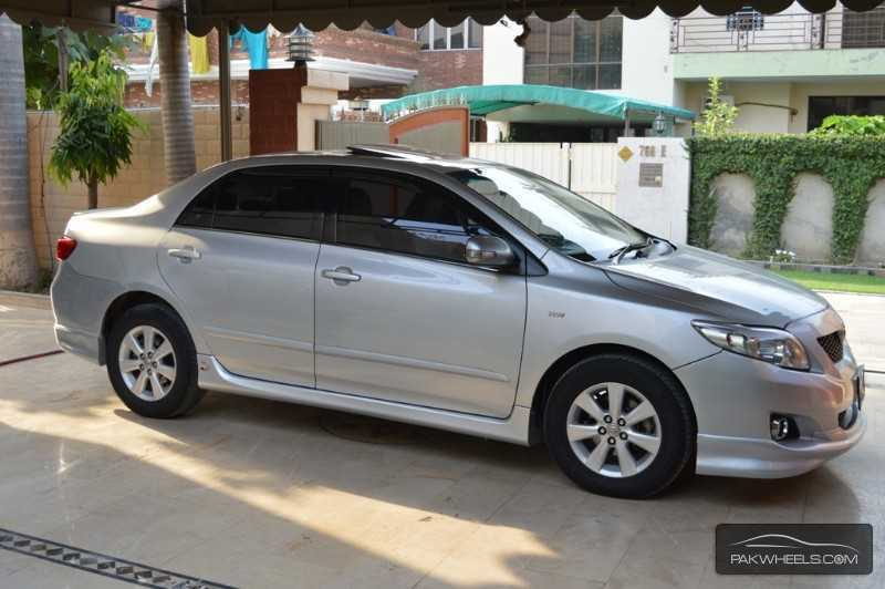 Toyota Corolla 1.8 2010 photo - 9