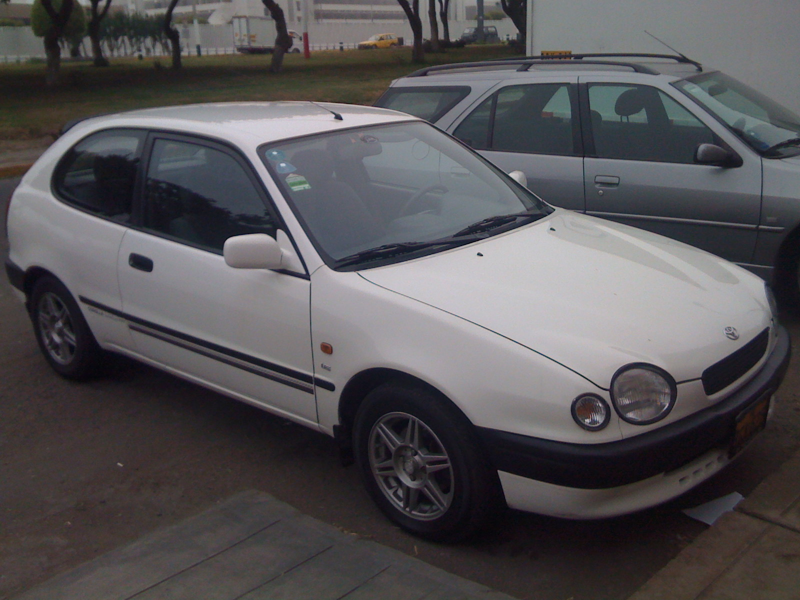 Toyota Corolla 2.0 1998 photo - 3