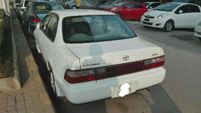 Toyota Corolla 2.0 1999 photo - 4