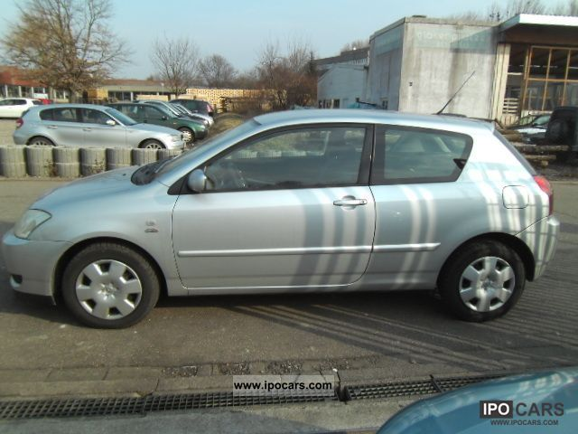 Toyota Corolla 2.0 2004 photo - 12