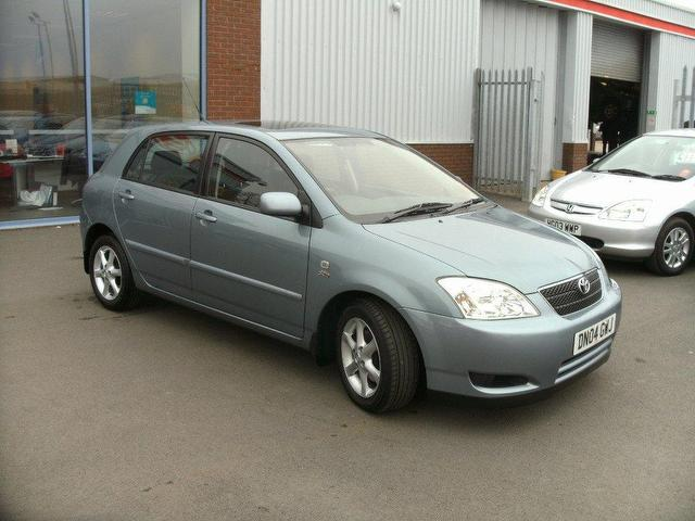Toyota Corolla 2.0 2004 photo - 6