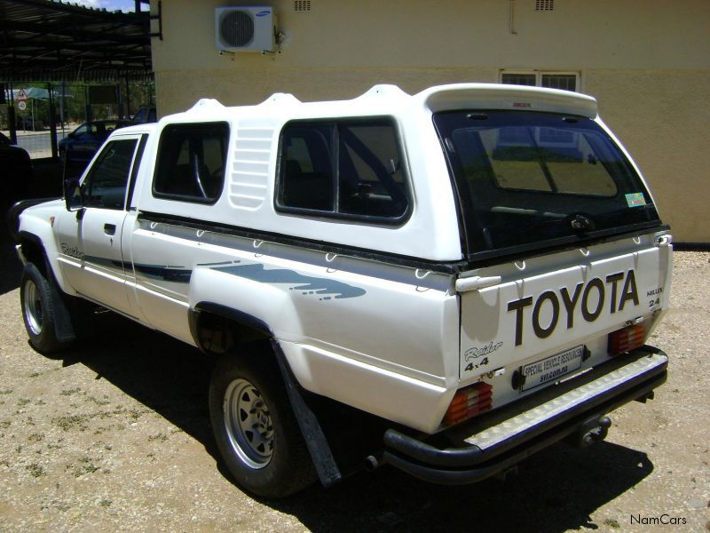 Toyota Hilux 2.0 1996 photo - 3