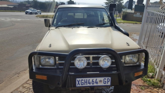 Toyota Hilux 2.2 1985 photo - 3