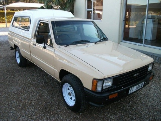 Toyota Hilux 2.4 1986 photo - 1
