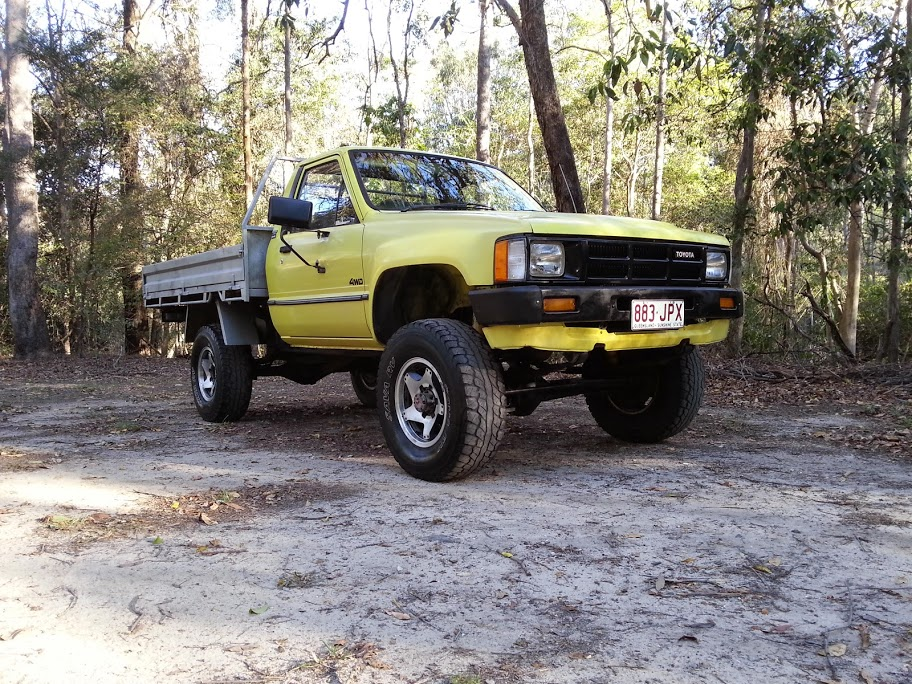 Toyota Hilux 2.4 1986 photo - 10