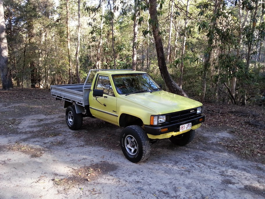 Toyota Hilux 2.4 1986 photo - 6