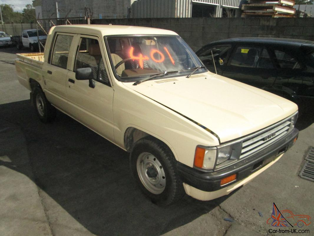 Toyota Hilux 2.4 1987 photo - 2