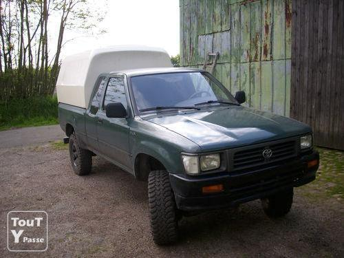 Toyota Hilux 2.4 1987 photo - 7