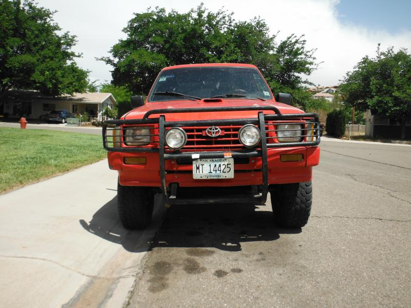 Toyota Hilux 2.4 1987 photo - 9