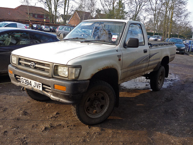 Toyota Hilux 2.4 1989 photo - 1