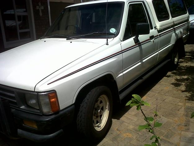 Toyota Hilux 2.4 1989 photo - 11