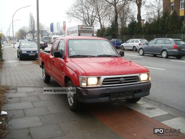 Toyota Hilux 2.4 1999 photo - 6