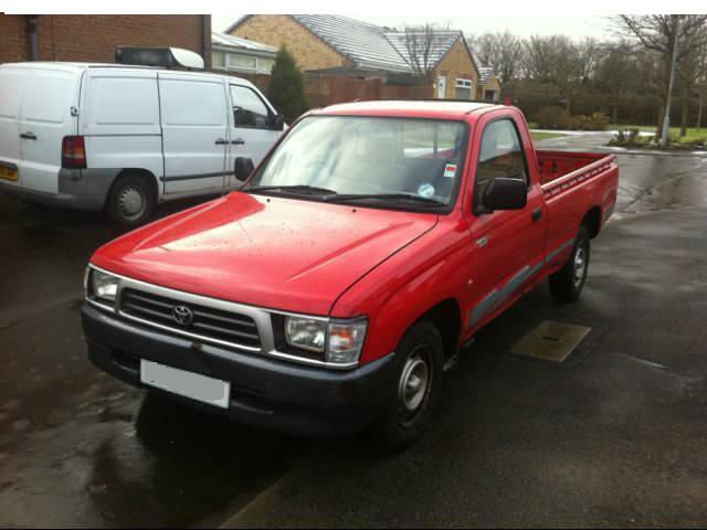 Toyota Hilux 2.4 1999 photo - 9