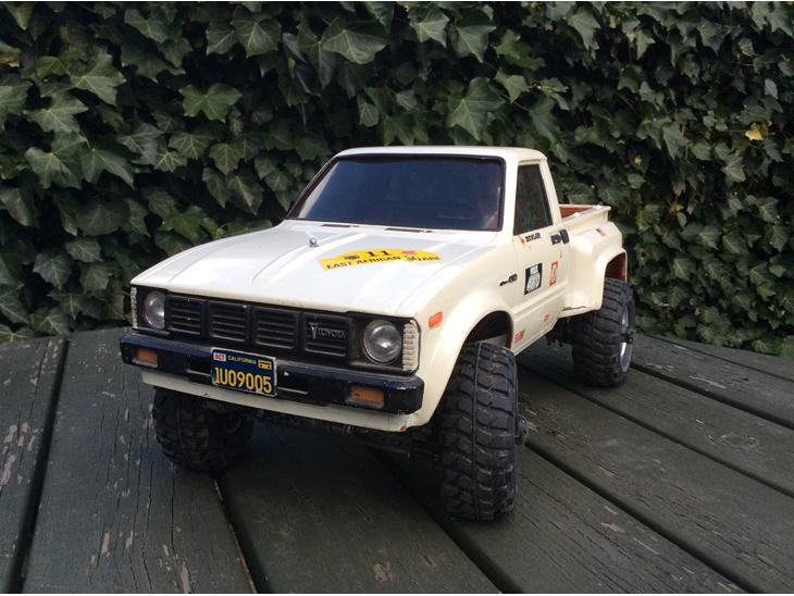 Toyota Hilux 2.5 1983 photo - 6