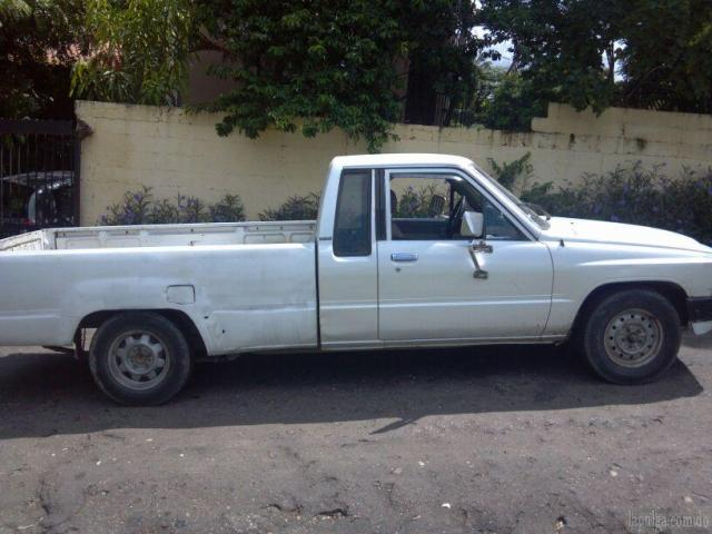 Toyota Hilux 2.5 1986 photo - 1