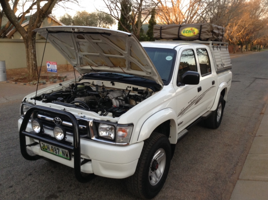 Toyota Hilux 2.7 2000 photo - 2