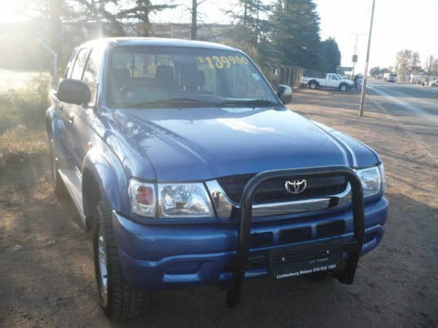 Toyota Hilux 2.7 2000 photo - 9