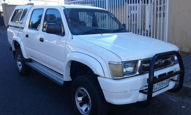 Toyota Hilux 2.7 2001 photo - 1