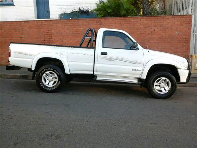 Toyota Hilux 2.7 2001 photo - 11
