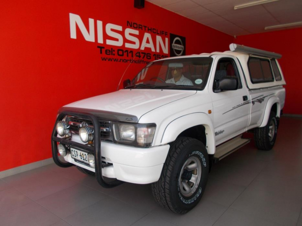 Toyota Hilux 2.7 2001 photo - 4