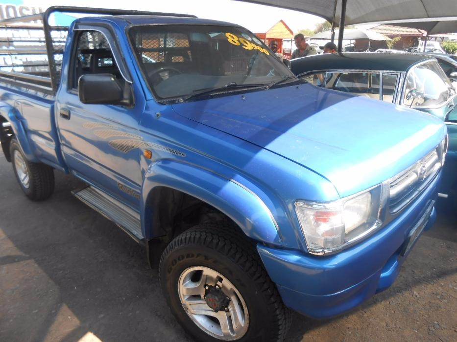 Toyota Hilux 2.7 2001 photo - 7