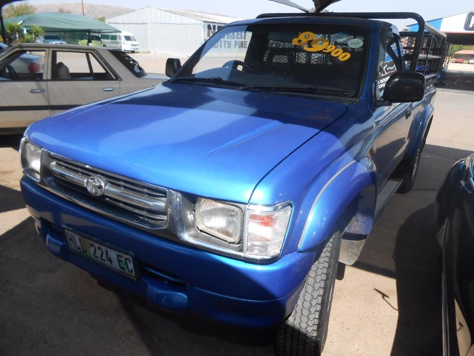Toyota Hilux 2.7 2001 photo - 9