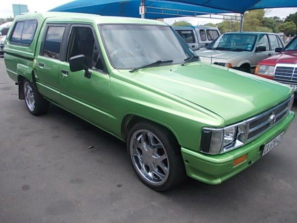 Toyota Hilux 2.8 1991 photo - 3