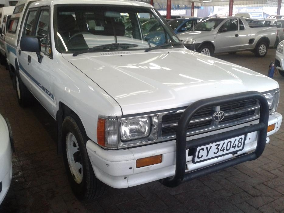 Toyota Hilux 2.8 1996 photo - 2