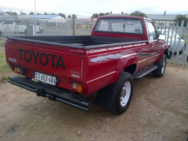 Toyota Hilux 2.8 1996 photo - 9