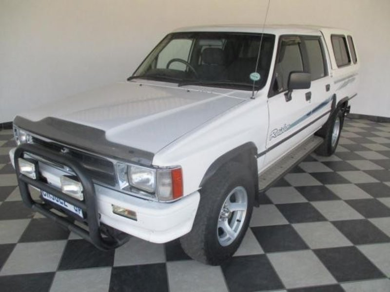 Toyota Hilux 2.8 1997 photo - 2