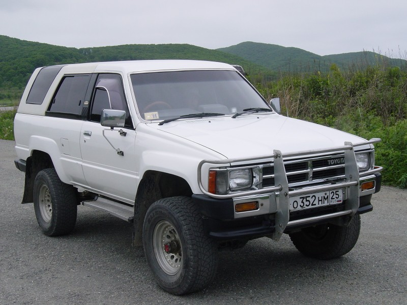 Toyota Hilux 3.0 1984 photo - 12