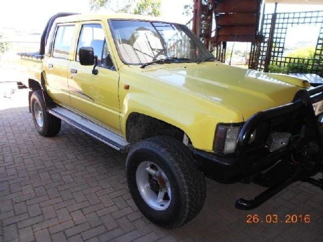 Toyota Hilux 3.0 1984 photo - 3