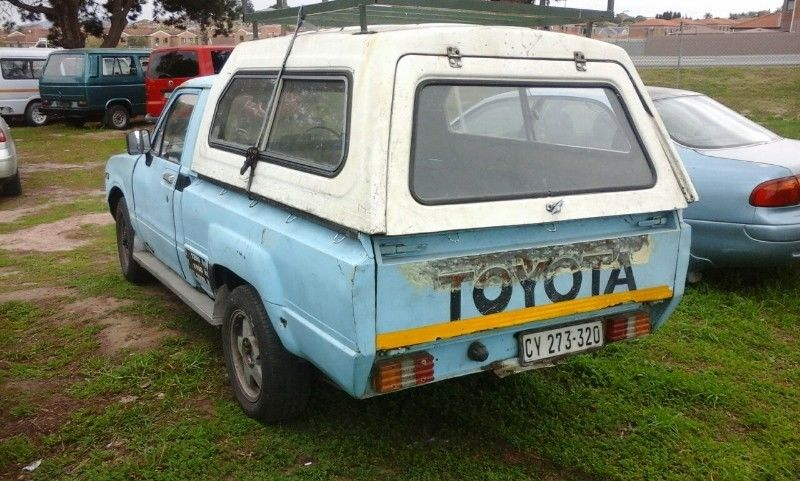 Toyota Hilux 3.0 1984 photo - 4