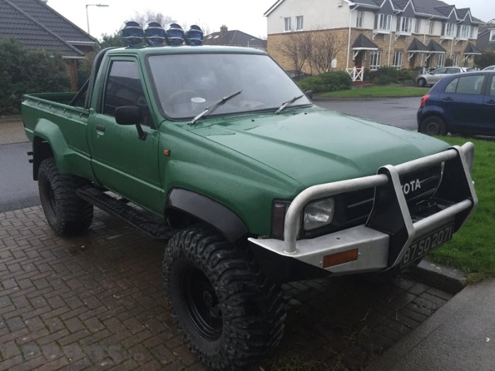 Toyota Hilux 3.0 1987 photo - 2