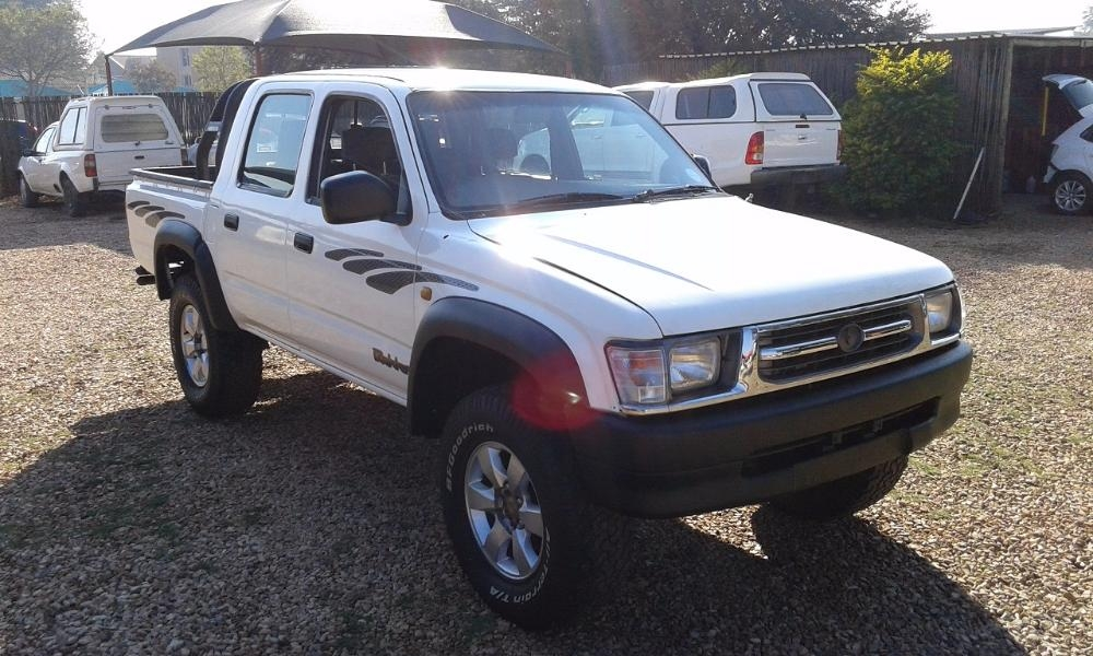 Toyota Hilux 3.0 2001 photo - 11