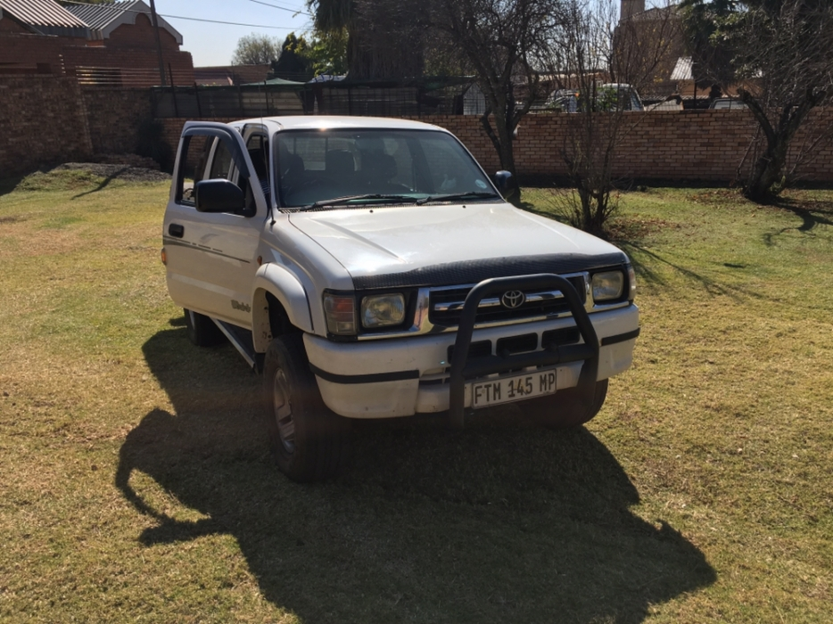 Toyota Hilux 3.0 2001 photo - 2