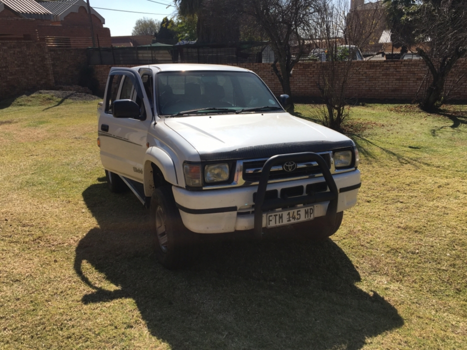 Toyota Hilux 3.0 2001 photo - 3