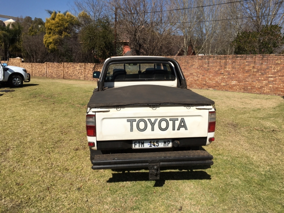 Toyota Hilux 3.0 2001 photo - 9