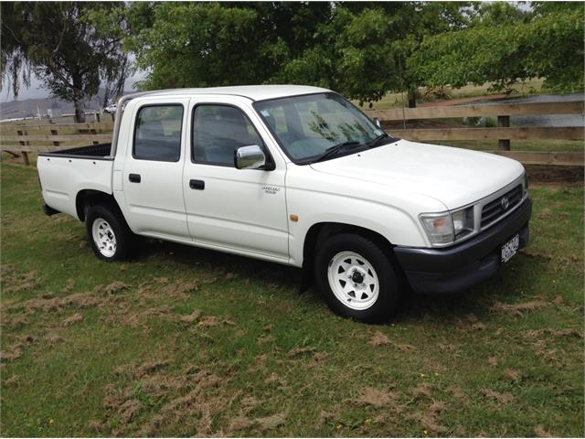 Toyota Hilux 3.4 2001 photo - 11