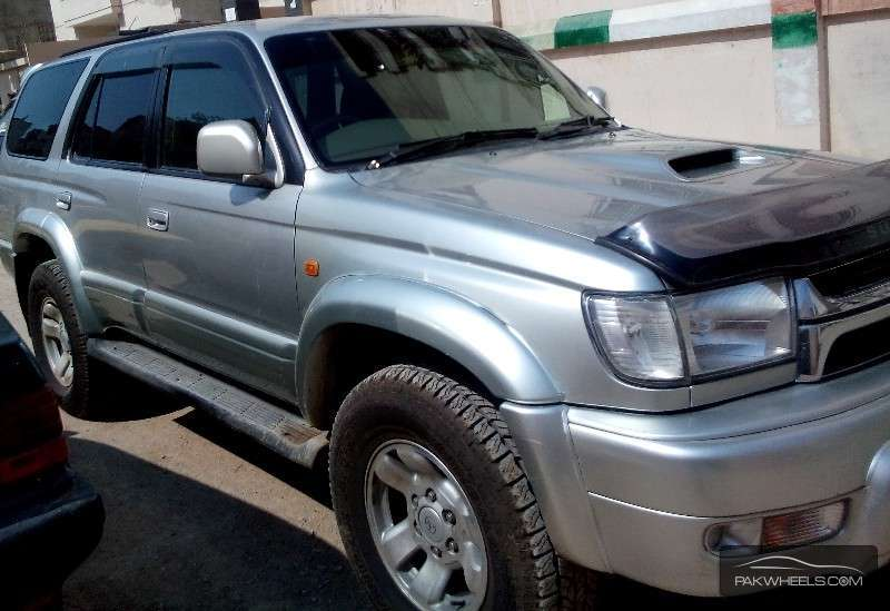 Toyota Hilux 3.4 2001 photo - 3
