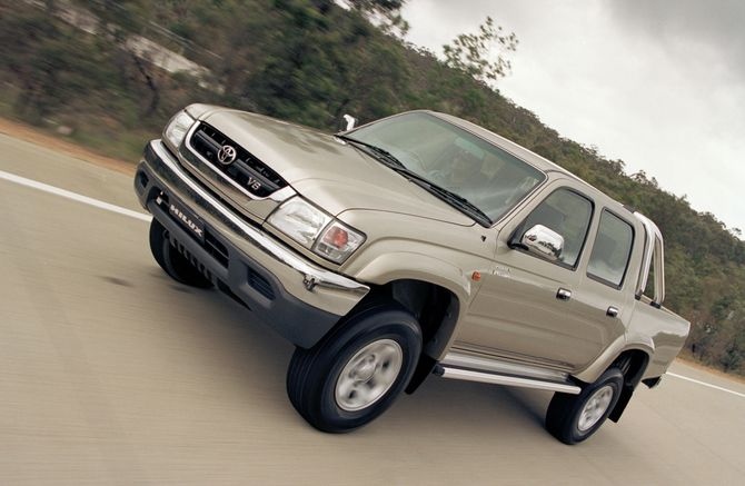 Toyota Hilux 3.4 2002 photo - 12