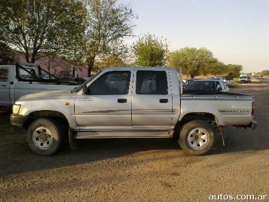 Toyota Hilux 3.4 2002 photo - 3
